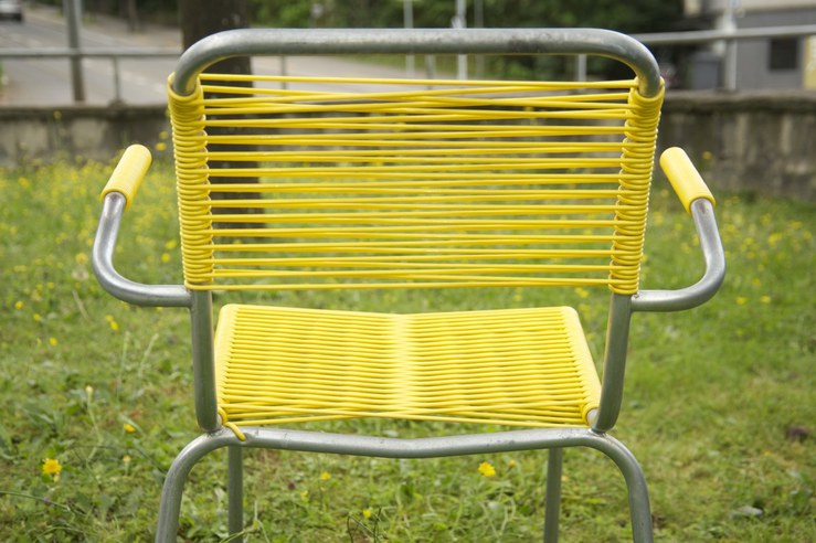 altdorfer embru spaghetti stuhl gelb bliss modern antiques. Black Bedroom Furniture Sets. Home Design Ideas