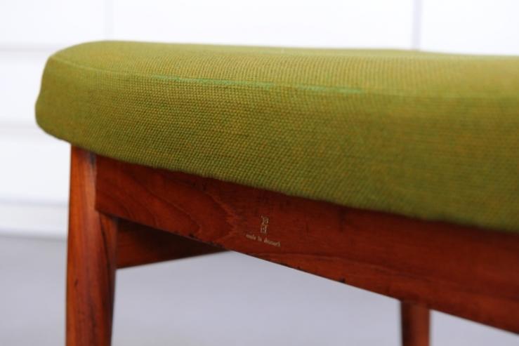 senator 166 chair mit ottomane by ole wanscher 1965 gr n bliss modern antiques. Black Bedroom Furniture Sets. Home Design Ideas