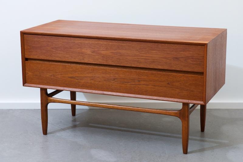 lange schubladen kommode dansk teak 1960er bliss modern. Black Bedroom Furniture Sets. Home Design Ideas