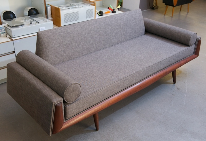 couch daybed by adrian pearsall 1961 topcare fleckschutz garantie bliss modern antiques. Black Bedroom Furniture Sets. Home Design Ideas