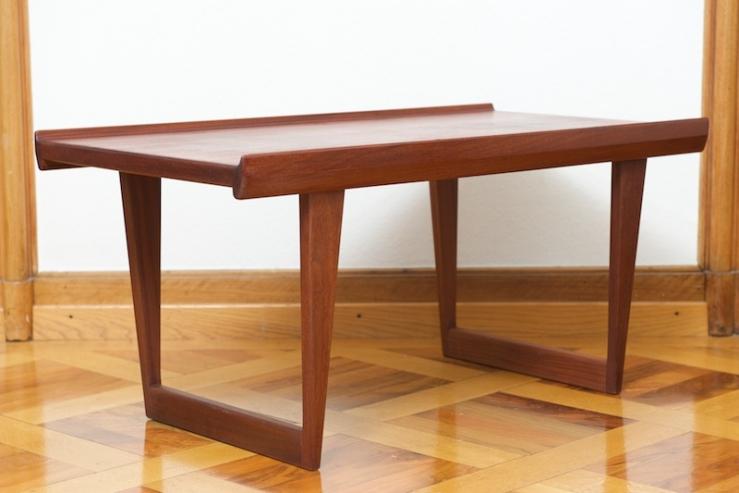kleiner couchtisch beistelltisch l vig 1965 teak bliss modern antiques. Black Bedroom Furniture Sets. Home Design Ideas