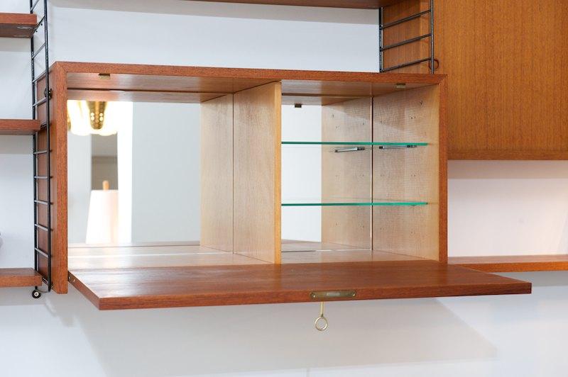 string regal system korpus mit verspiegelter bar sekret r. Black Bedroom Furniture Sets. Home Design Ideas