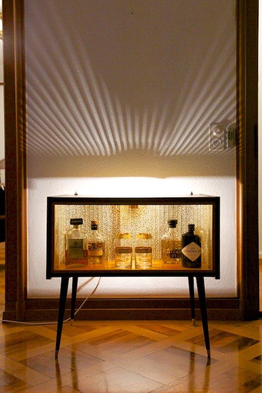 verspiegelte bar vitrine mit beleuchtung 1950er bliss. Black Bedroom Furniture Sets. Home Design Ideas