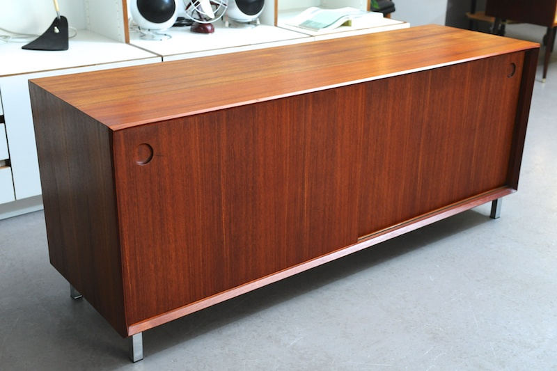 teak sideboard wilhelm renz 1967 schiebet ren bliss. Black Bedroom Furniture Sets. Home Design Ideas