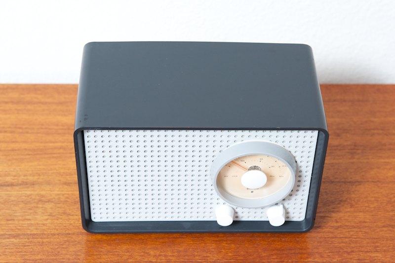 Braun kleinsuper sk25 tischradio graphit 1961 radio for Tisch iphone design