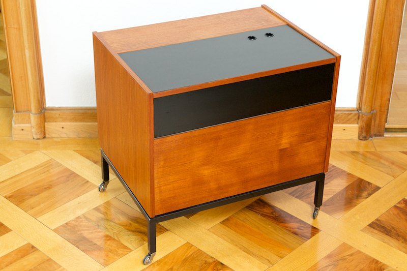 home bar nexus cube auf rollen 1963 bliss modern antiques. Black Bedroom Furniture Sets. Home Design Ideas