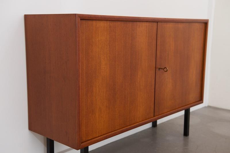 kleines sideboard prime teak 1960er bliss modern antiques. Black Bedroom Furniture Sets. Home Design Ideas