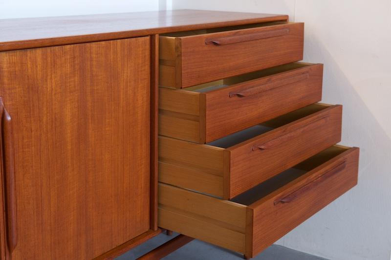grosses sideboard heinrich riestenpatt teak 1960er bliss modern antiques. Black Bedroom Furniture Sets. Home Design Ideas
