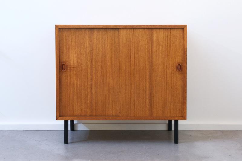 string regal system unterstell korpus mit schiebet ren bliss modern antiques. Black Bedroom Furniture Sets. Home Design Ideas