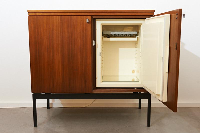 hausbar modern stunning hausbar modern with hausbar modern fabulous marvelous design ideas. Black Bedroom Furniture Sets. Home Design Ideas